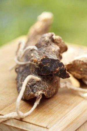 Photo pour Biltong - viande séchée, coupée, peu profonde DOF - image libre de droit