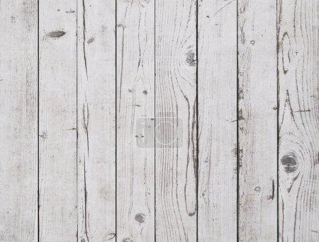 Photo pour Vieux fond mural en bois blanc - image libre de droit