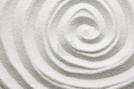 Photo pour Spirale dans le sable - image libre de droit
