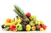 Elszigetelt fehér egzotikus gyümölcsök széles választékát