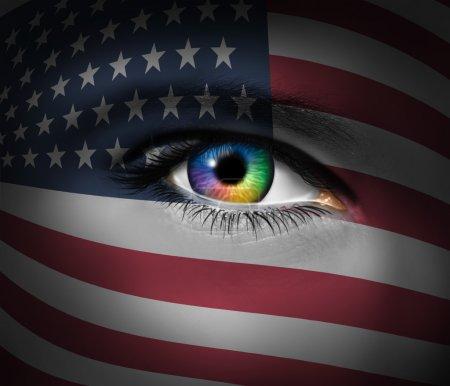 Photo pour Culture américaine et un symbole de héros militaires et patriotiques braves sauvetage des secouristes de l'unit les États-Unis d'Amérique avec fermeture vers le haut d'un œil humain. - image libre de droit