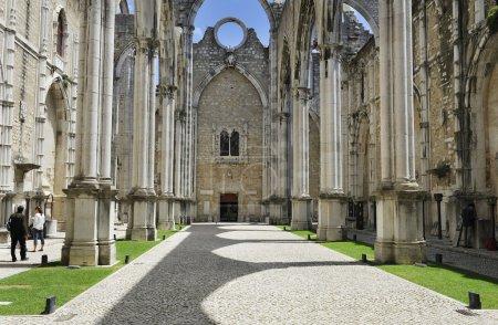 Photo pour Ruines de l'église de Carmo à Lisbonne, portugal - image libre de droit