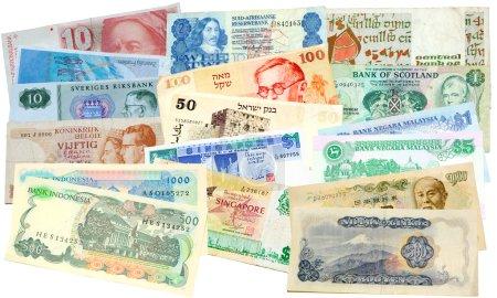 Photo pour Collecte d'argent du monde entier signifiant combien les économies mondiales sont étroitement liées - image libre de droit