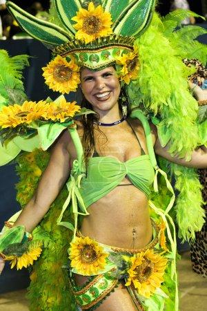 Photo pour Le défilé du Carnaval de renommée mondiale au Sambodromo, Rio de Janeiro Brésil - image libre de droit