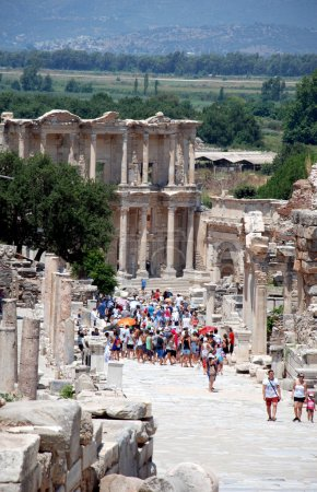 Ephesus, near Izmir, Turkey Tourists in front of the library of Celsius