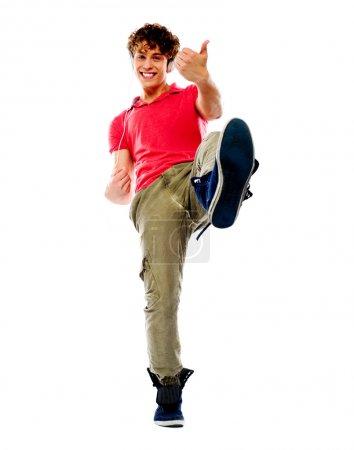 Photo pour Gars intelligent joue imaginaire avec une jambe en l'air - image libre de droit