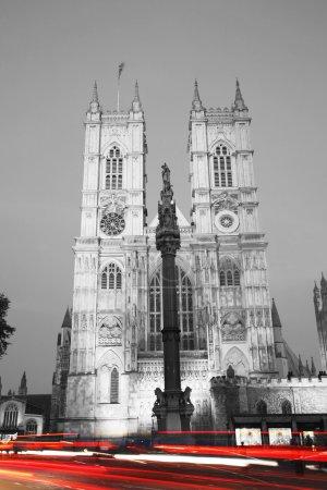 Photo pour Abbaye de Westminster la nuit vue de Pariament Square - image libre de droit