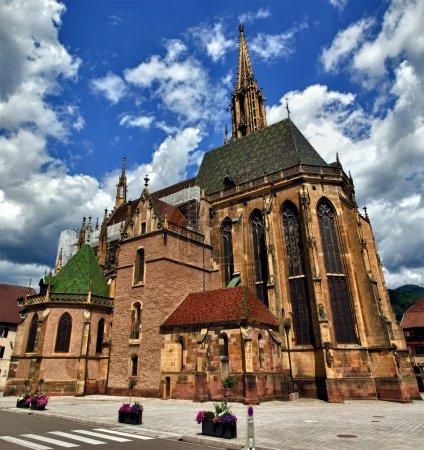 Photo pour Église gothique de la ville de Thann, Alsace (Fr). - image libre de droit