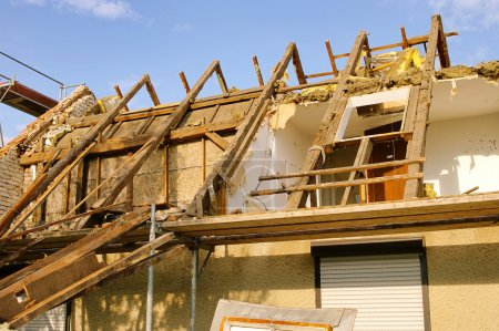 Roof truss demolish 12
