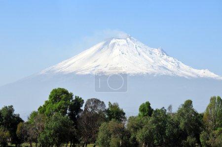 Foto de Montaña del volcán Popocatépetl, México. - Imagen libre de derechos