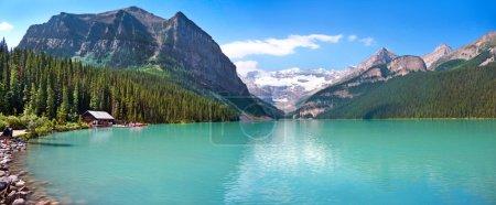 Photo pour Panorama du lac de montagne Lake Louise dans le parc national Banff, Alberta, Canada - image libre de droit