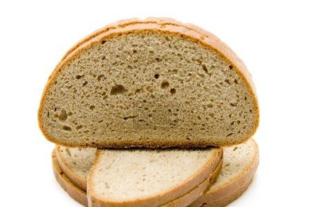 Photo pour Pain de blé cuit et tranché - image libre de droit