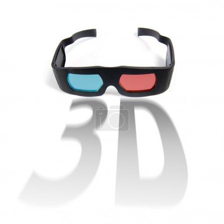 Photo pour Photo de lunettes 3D modernes isolées sur blanc - image libre de droit