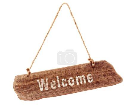 Photo pour Panneau de bienvenue en bois sur un fond blanc - image libre de droit