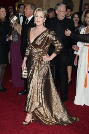 Photo pour LOS ANGELES - 26 février : Meryl Streep arrive aux 84e Academy Awards au Hollywood & Highland Center le 26 février 2012 à Los Angeles, CA - image libre de droit