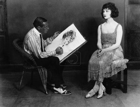 Foto de Hombre dibujo retrato de la mujer - Imagen libre de derechos