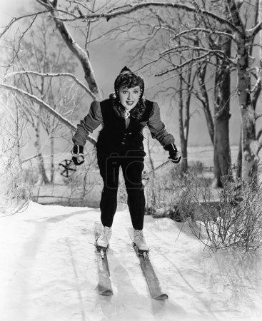 Photo pour Portrait de skieuse - image libre de droit