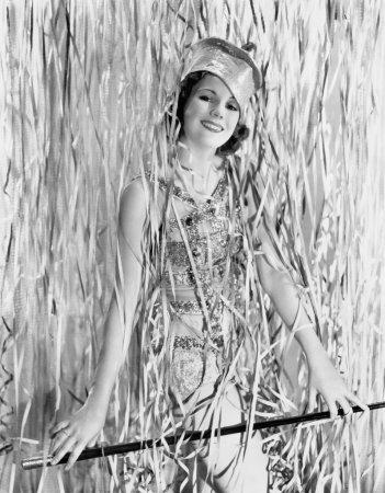Photo pour Jeune femme recouverte de banderoles - image libre de droit